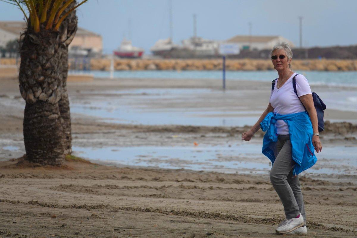 Anne am Strand von Santa Pola