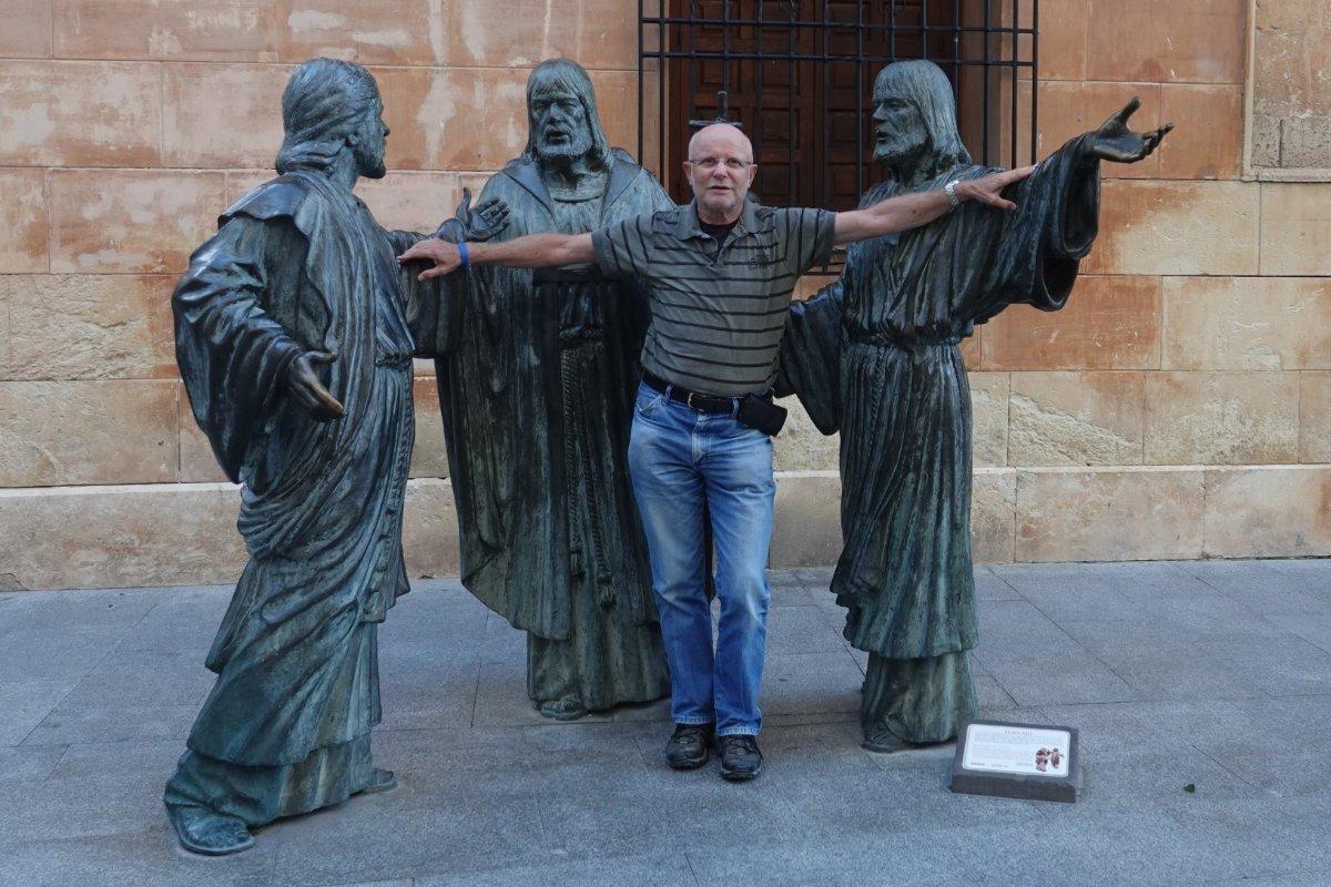 Frederick mit den drei Aposteln