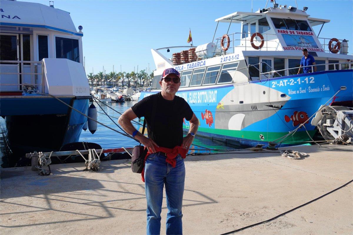 Frederick vor dem Tabarca Boot