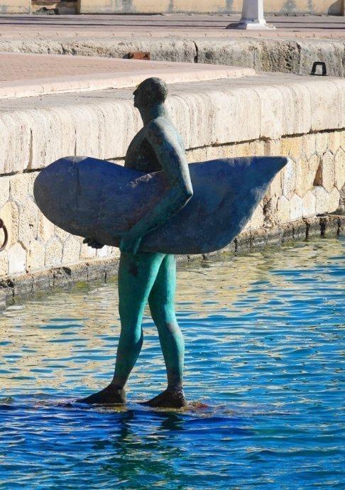 Surfer mit Brett