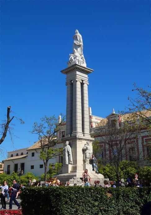 Statue Concepcion Inmaculada