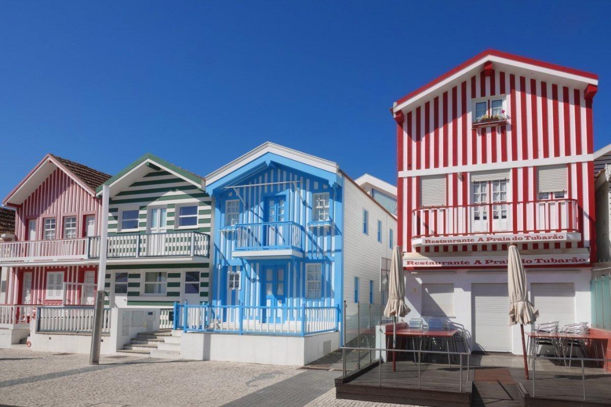 Costa Novas bunten Häuser