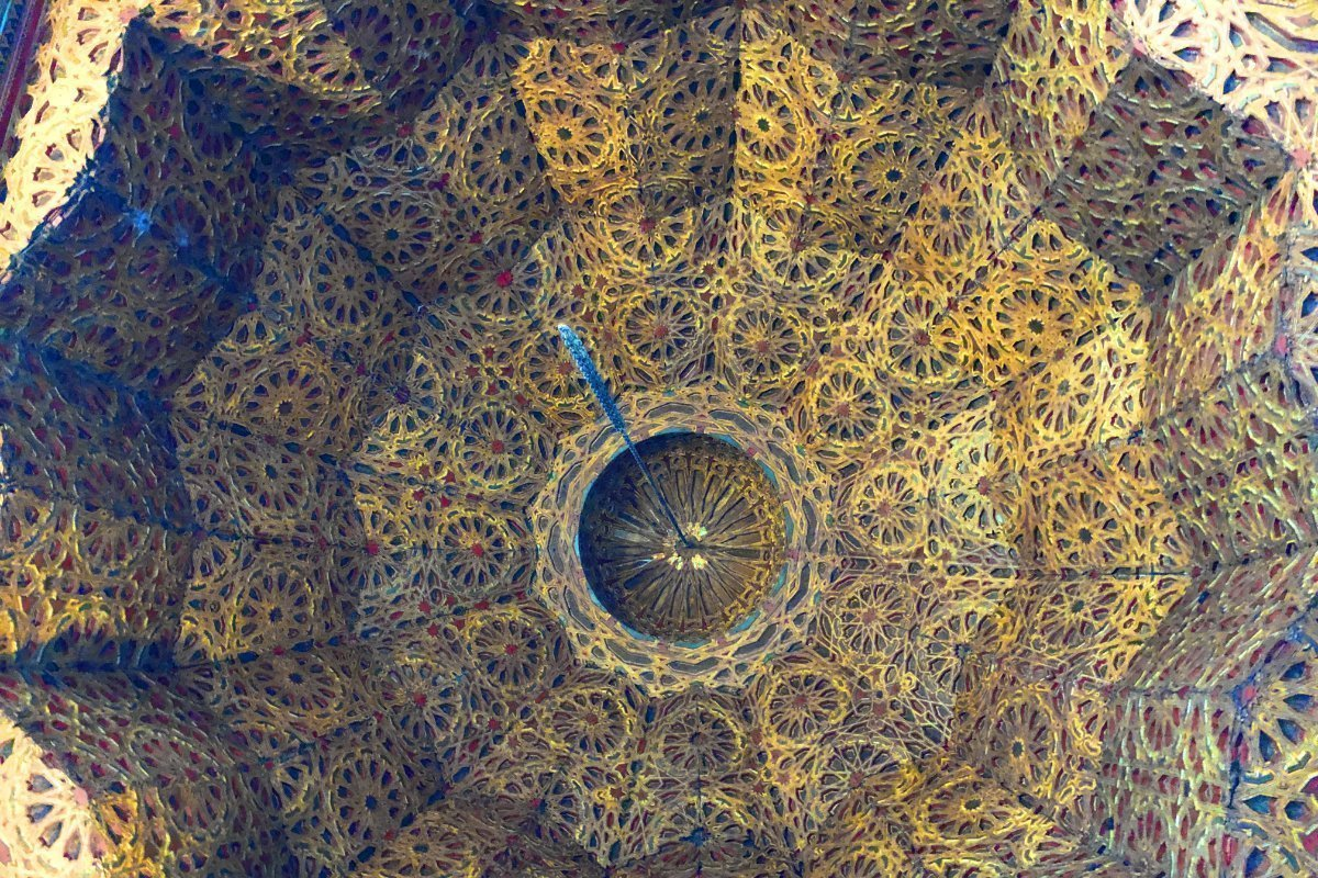 Reich verzierte Kuppel in der Kasbah