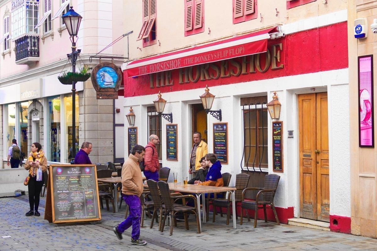 Typisch britischer Pub in Gibraltar