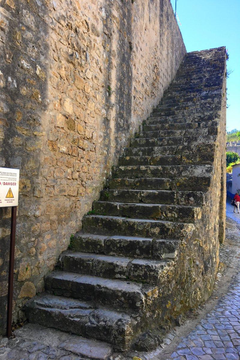 Ungesicherte Treppe