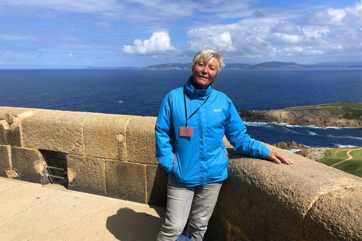 Anne oben auf dem Leuchtturm