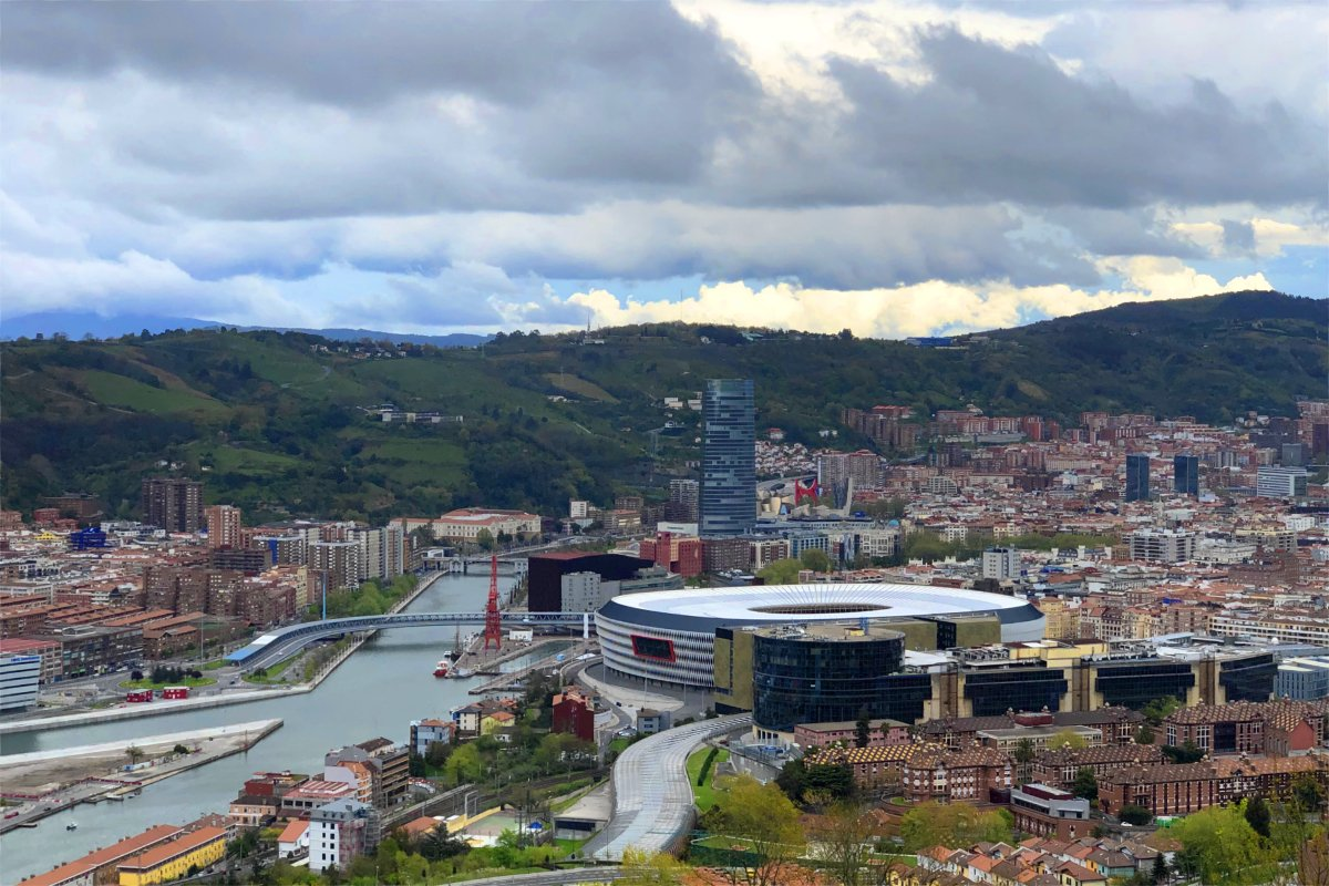 Blick auf Bilbao vom Stellplatz