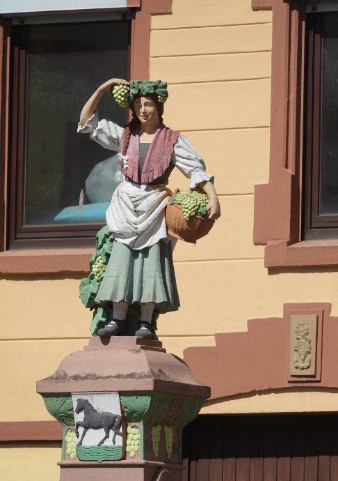 Weinleserin in Traben