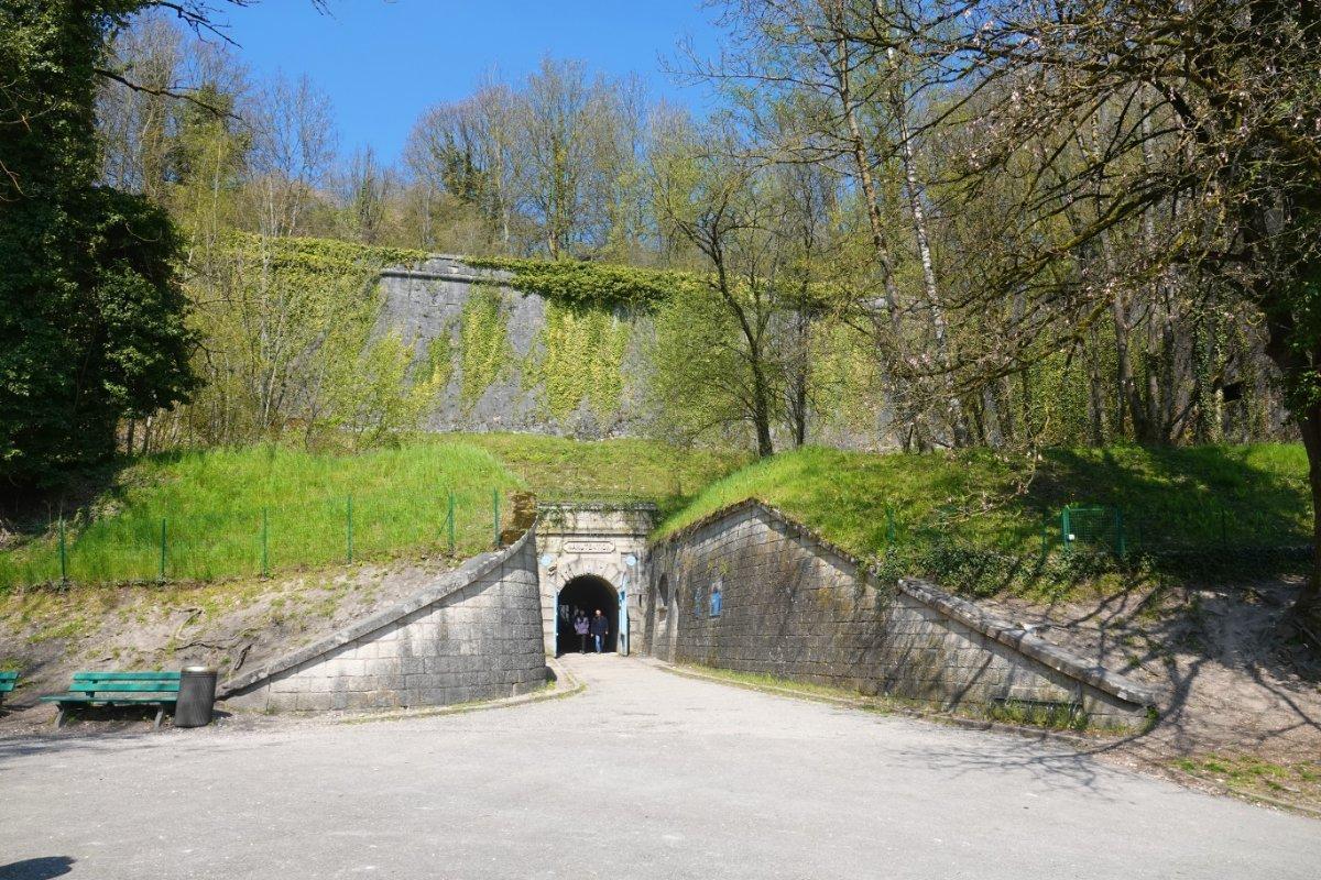 Eingang zur unterirdischen Festung