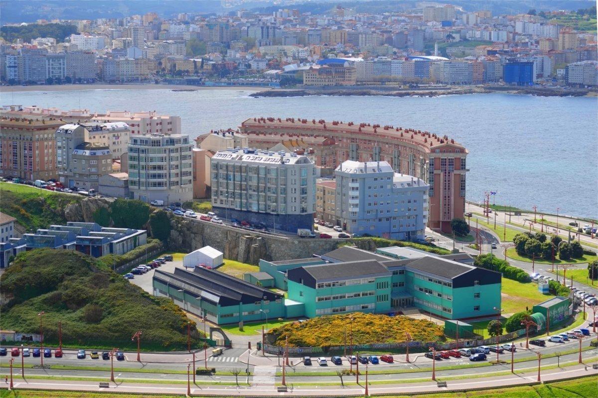 Moderner Wohnungsbau am Hafen
