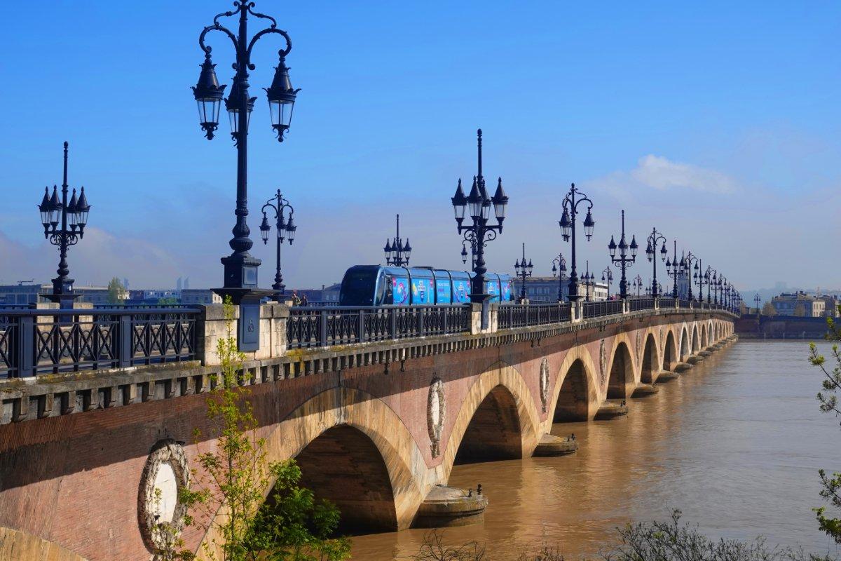 Pont de Pierre über die Garonne