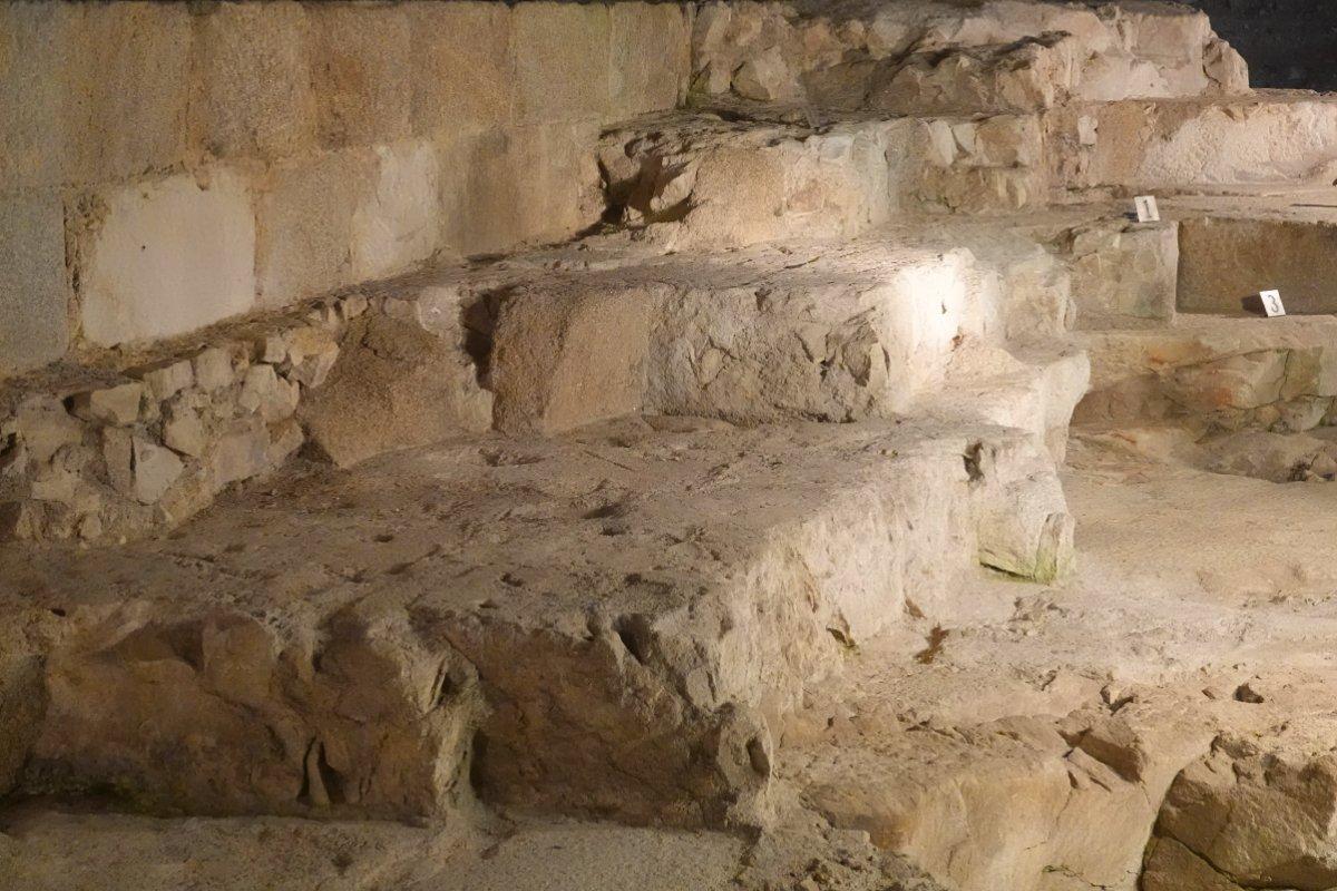 Teil des römischen Fundaments des Leuchtturms