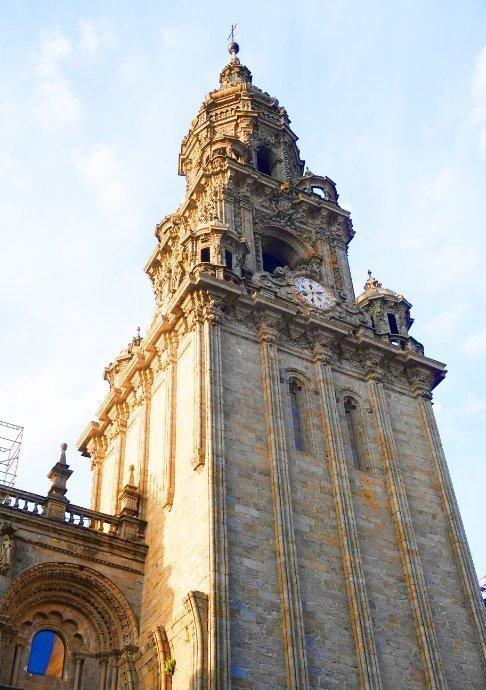 Ein Turm der Kathedrale