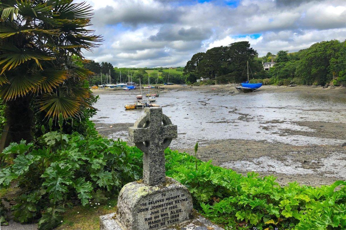 Keltisches Kreuz auf dem Friedhof