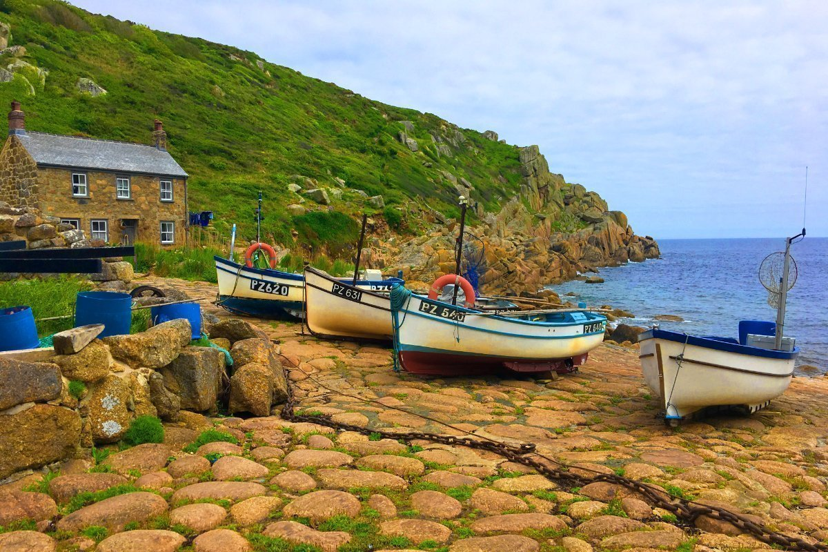 Kleine Fischerboote in Penberth Cove