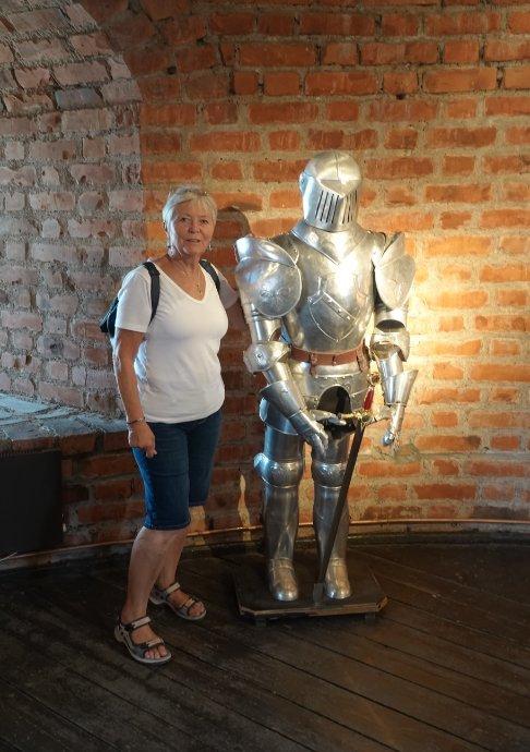 Anne mit einem Burgritter