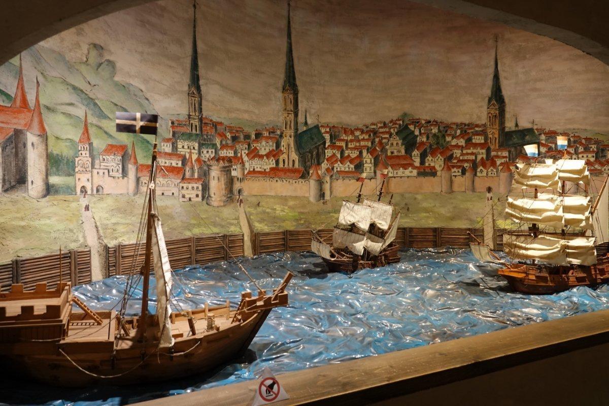 Ausstellung im Historischen Museum (Darstellung Riga Hafen)