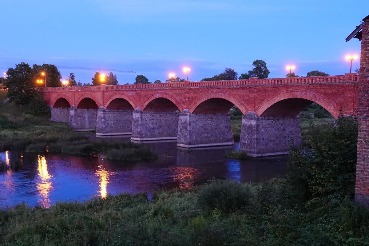 Die Alte Brücke am späten Abend