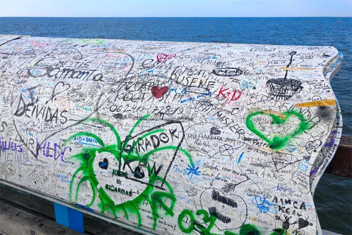 Einstmals Weiße Tafel am Ende der Pier