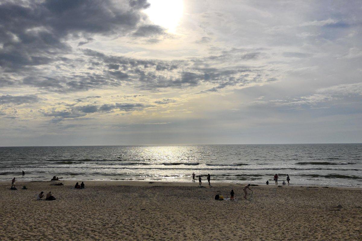 Gegenlichtaufnahme am Strand