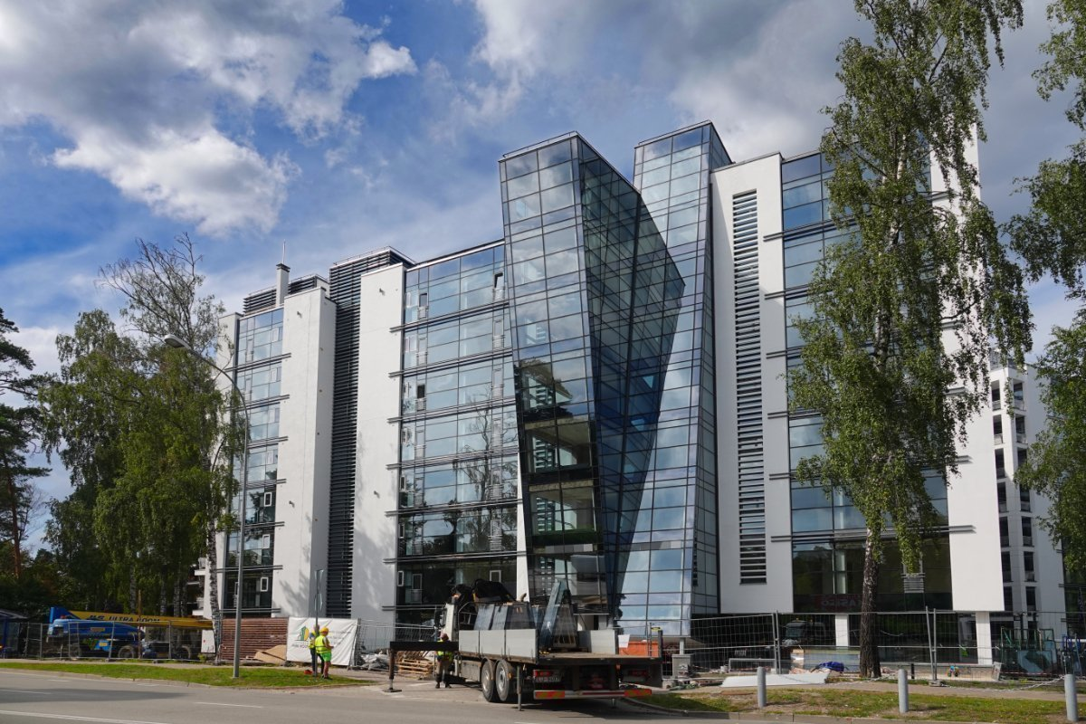 Hyper-modernes Bürogebäude im Bau