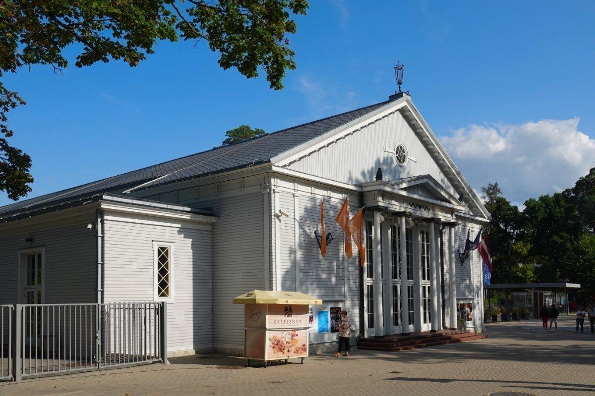 Konzerthaus in Jurmala, ebenfalls aus Holz