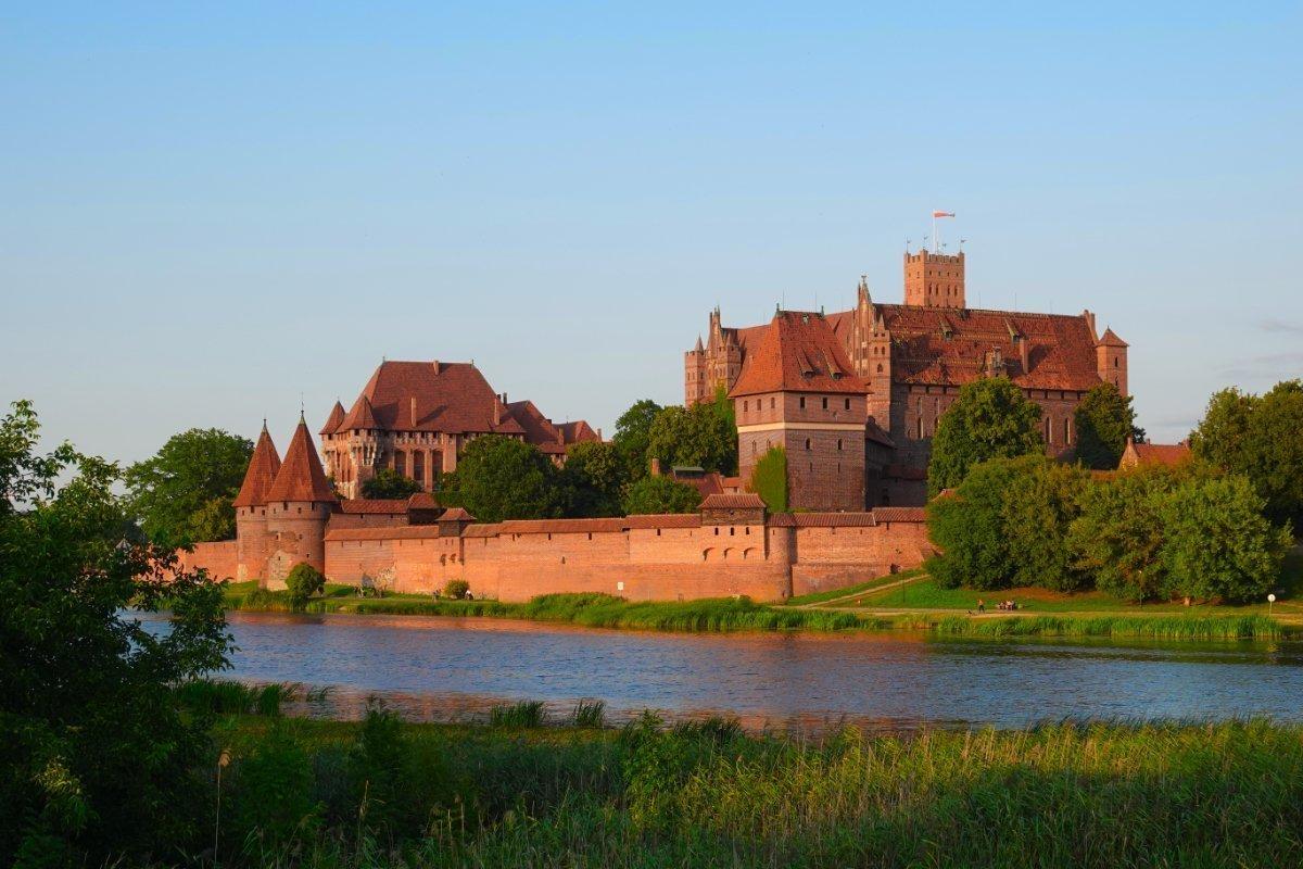 Die Marienburg im Abendlicht
