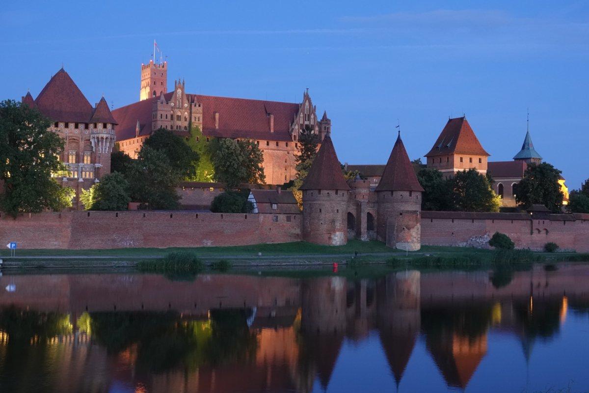 Marienburg in der Dämmerung