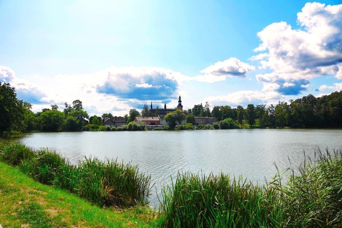 Seeblick Richtung Pfarrkirche