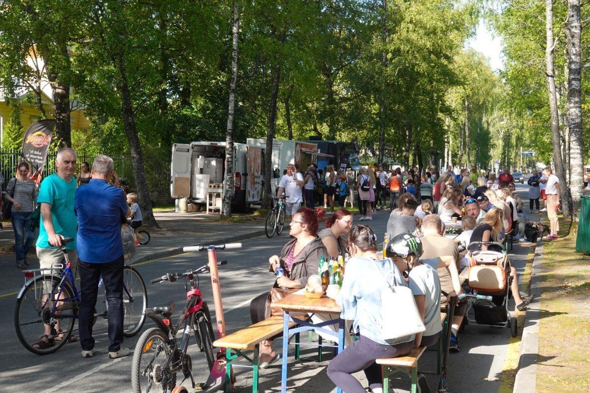 Straßenfest aus Anlass des Reitturniers