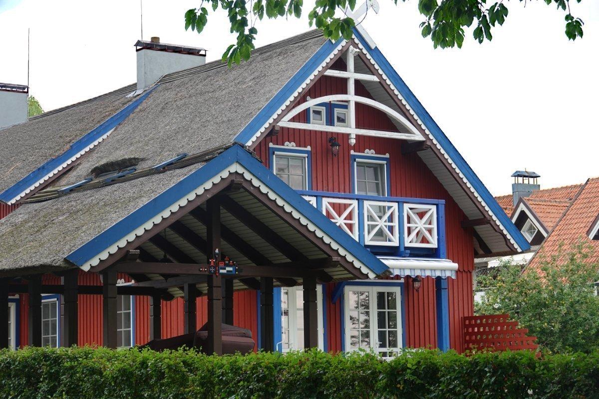 Typische Ferienhaus-Architektur in Nida