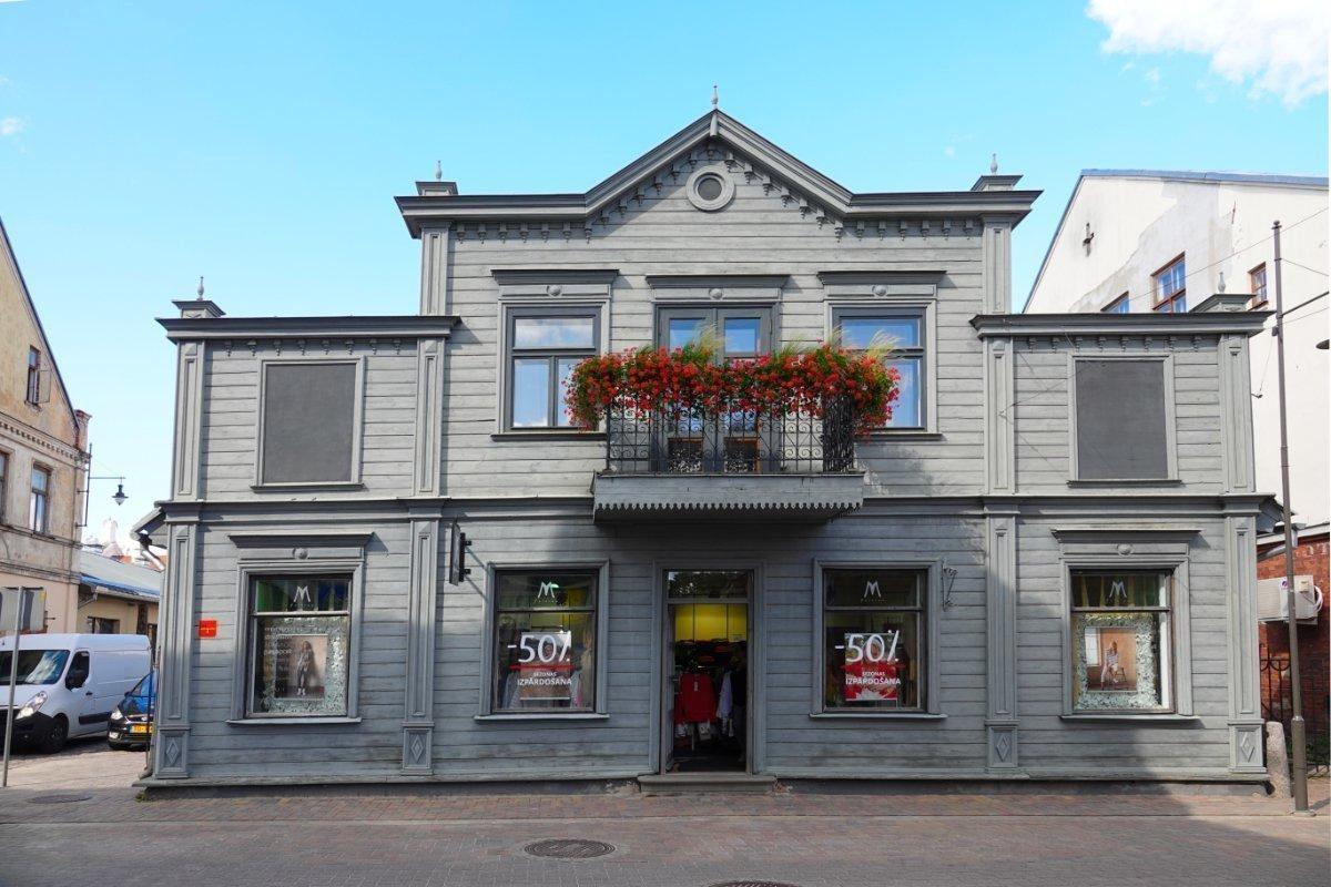 Typisches saniertes Holzhaus in der Fußgängerzone