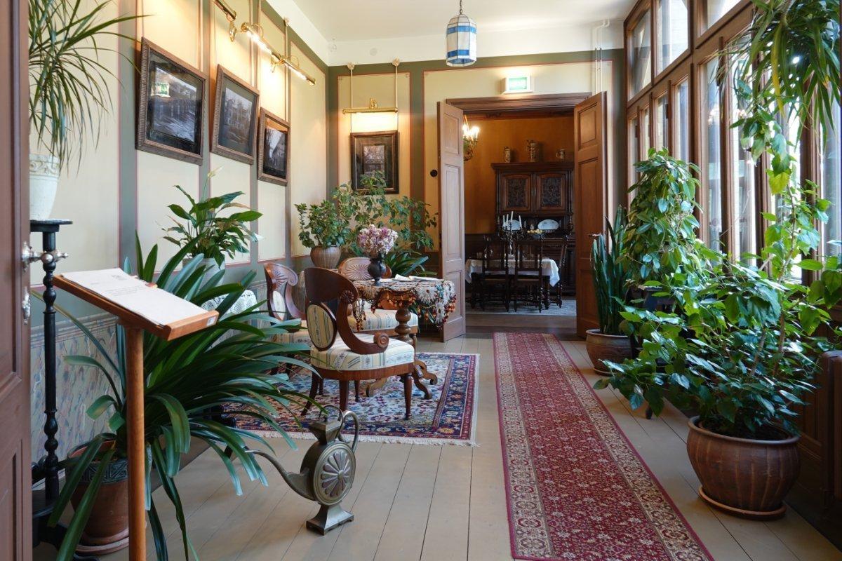 Schöner Wintergarten im Bangert Museum