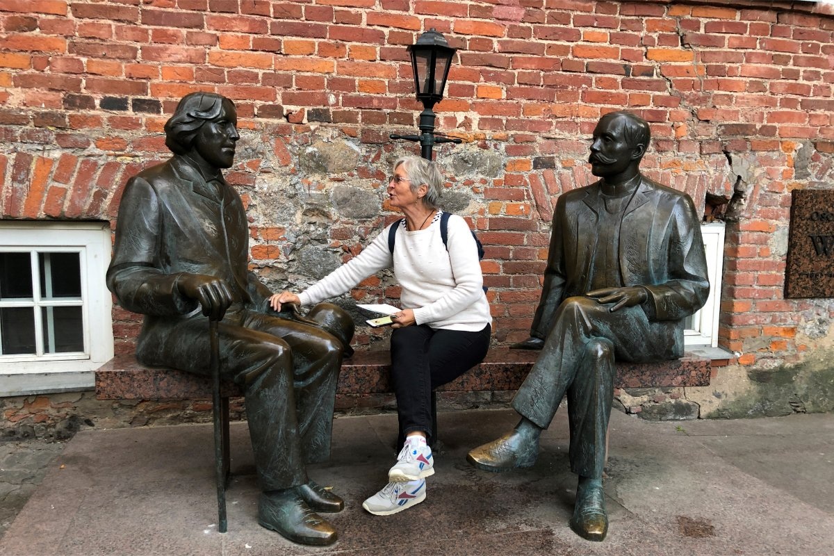 Anne mit Oscar Wilde und Eduard Vilde