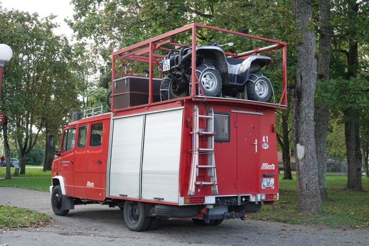 Ausgefallenes Wohnmobil - etwas kopflastig