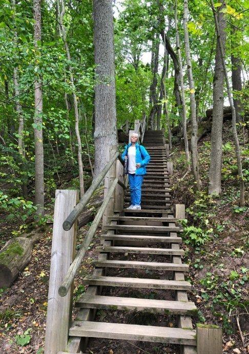 Über 400 m und hunderte von Stufen hinauf zur Burg