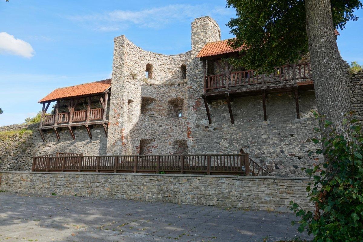 Frelichtbühne im Burggelände