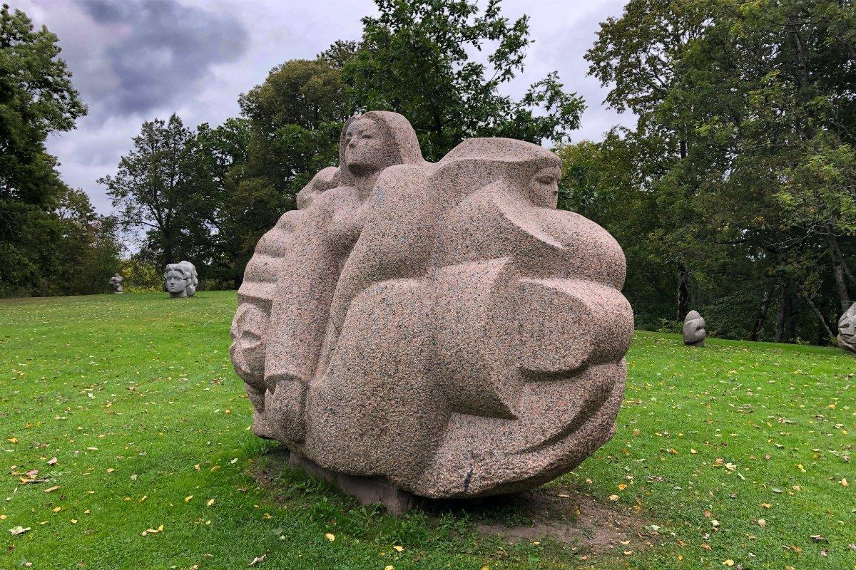 Figur im Skulpturenpark