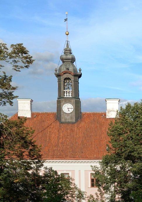 Turm mit Glockenspiel auf dem Rathaus