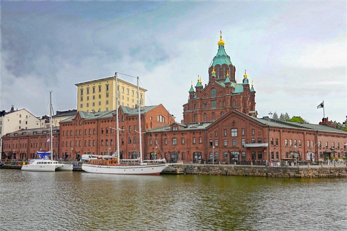 Hafenspeicher und Orthodoxe Kirche