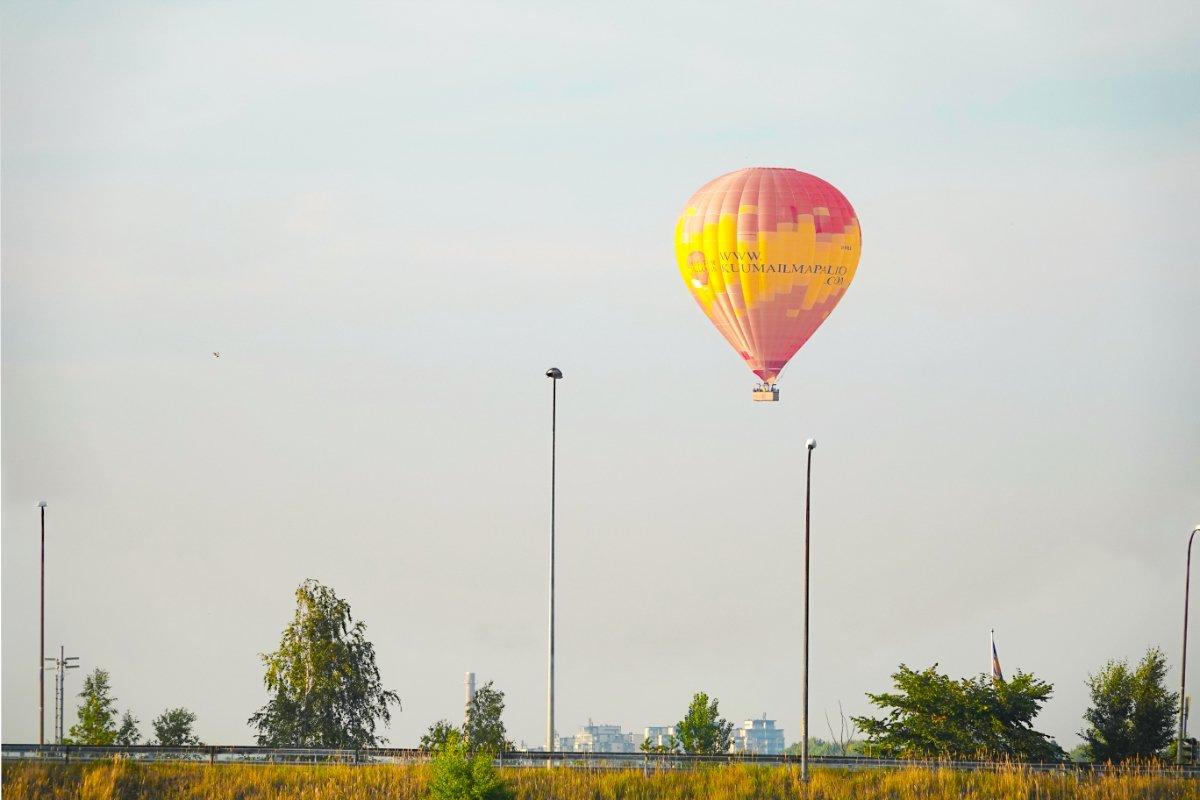 Heißluftballon über Helsinki