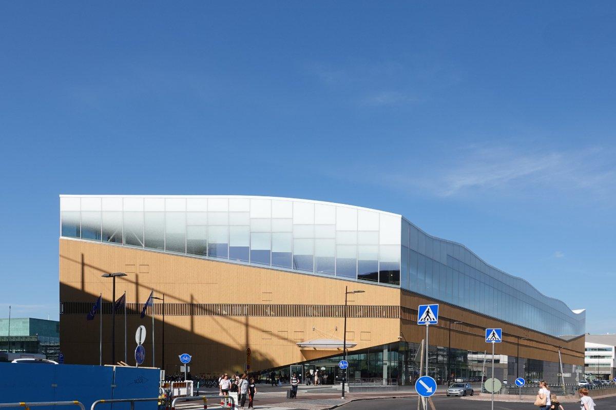 """Helsinkis moderne Bibliothek """"Oodi"""""""