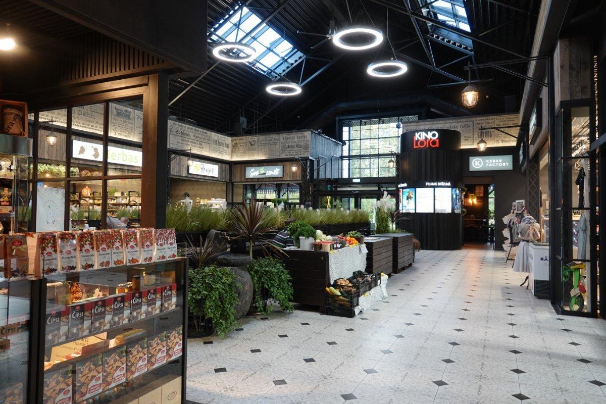 Das Innere der modernen Markthalle