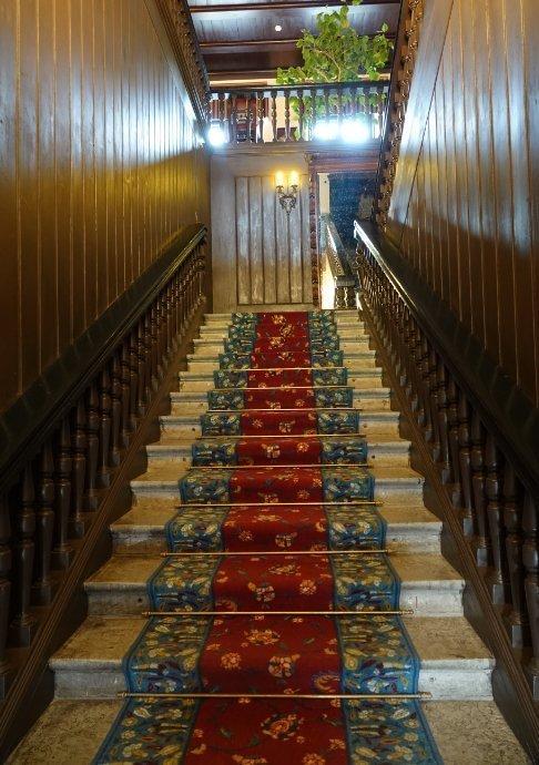 Prunkvoller Treppenaufgang