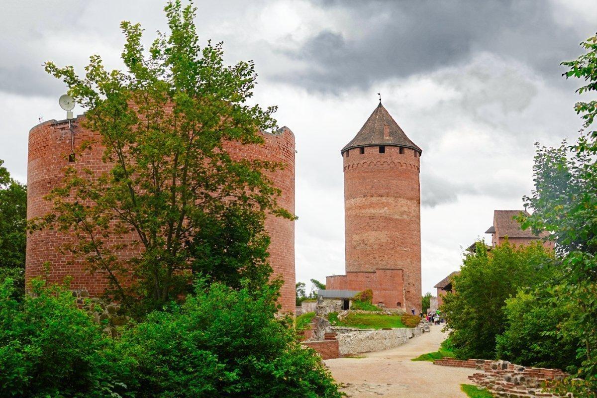 Ruinen der Burg Turaida