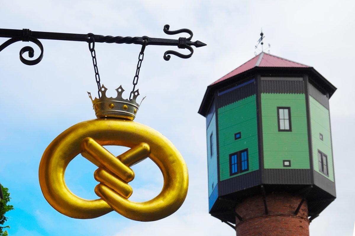 Zunftzeichen und Wasserturm