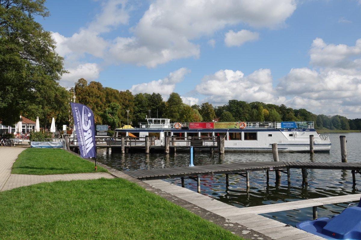 Ausflugsboot am Scharmützelsee in Bad Saarow