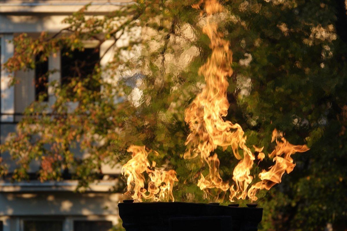 Flamme neben dem Holocaust-Mahnmal