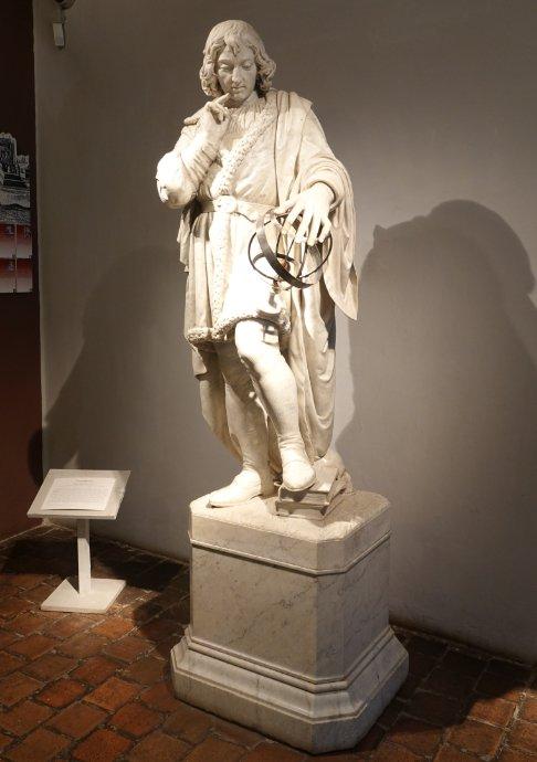 Kopernikusstatue im Rathaus