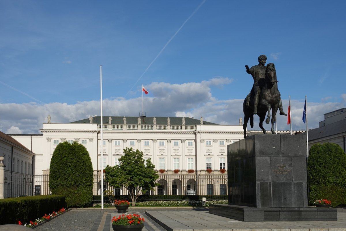 Statue des Prinzen Josef Poniatowski vor dem Präsidentenpalast.